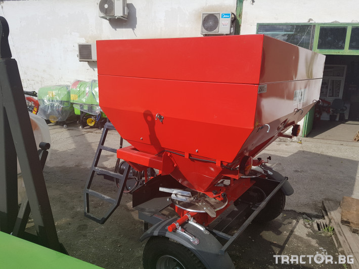 Торачки Навесни и прикачни торачки 2500 л. 22 - Трактор БГ