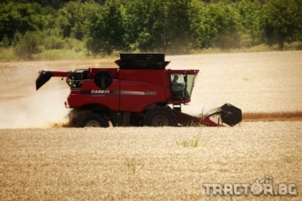 Титан Машинъри показа жътва с новия комбайн CASE IH 9230 Axial Flow