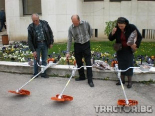 Нови храсторези Stihl закупи Община Севлиево за нуждите на селата