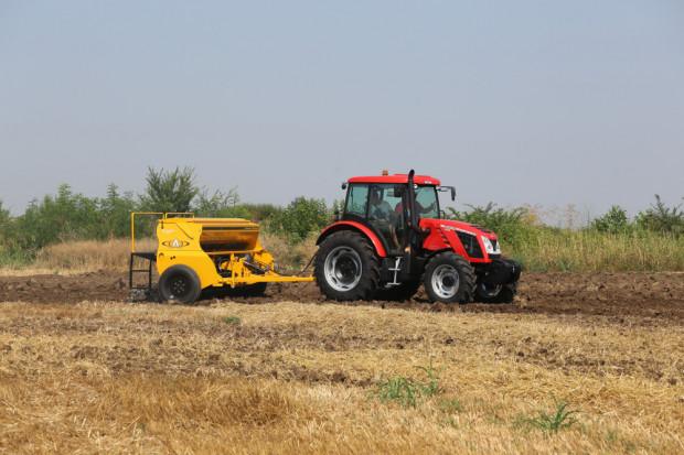 До 70% по-ниски цени на трактори и инвентар обявиха Стойчеви за Коледа