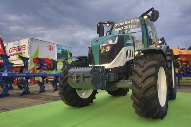 Нова марка италиански компактни трактори – Arbos стъпват в България