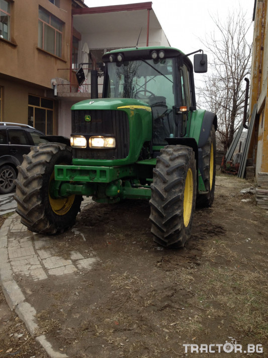 Трактори John Deere 6820TLS 2 - Трактор БГ