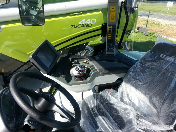 Трактори Claas Axion 850 5