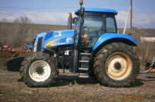 New Holland T8010