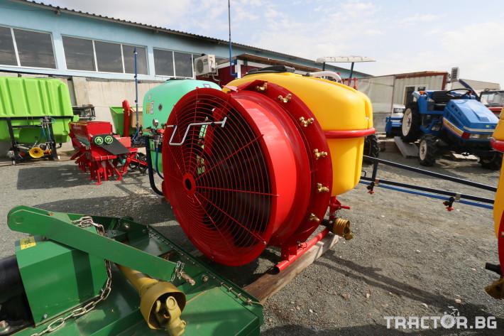 Пръскачки Вентилаторна пръскачка Agromehanika AGS 300 0 - Трактор БГ