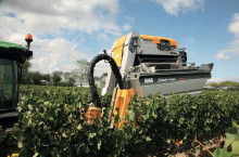Pellenc 8090, прикачен комбайн за грозде - Трактор БГ