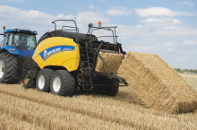 NEW HOLLAND BIGBALER - Трактор БГ