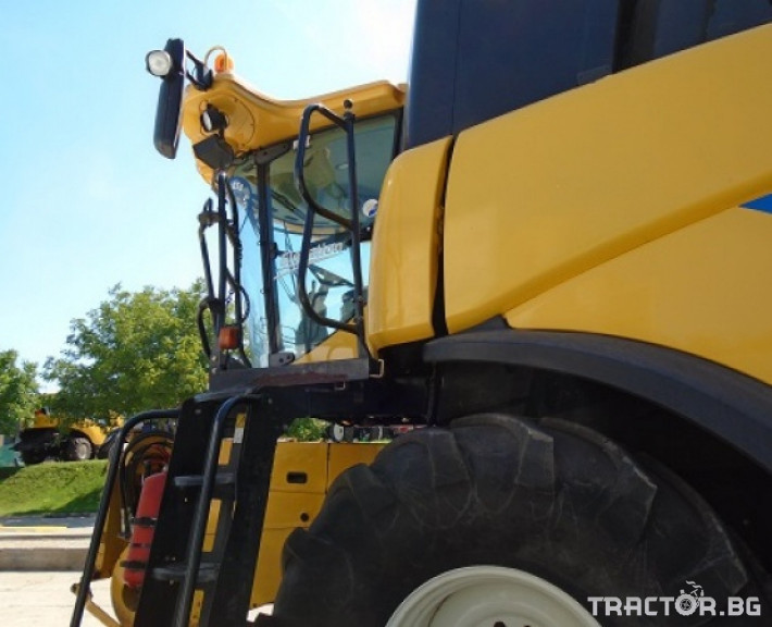 Комбайни New Holland CR 9090 Двуроторен комбайн 3