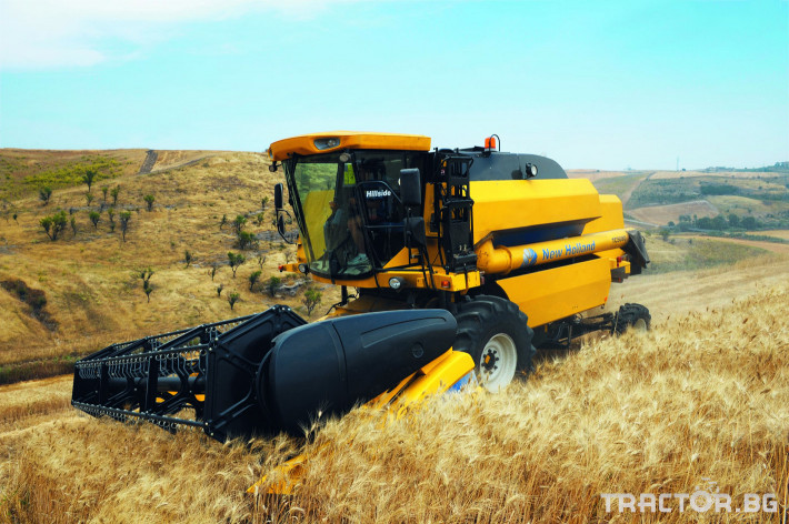 Комбайни New Holland TC 8 - Трактор БГ