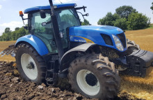 New-Holland T 7030