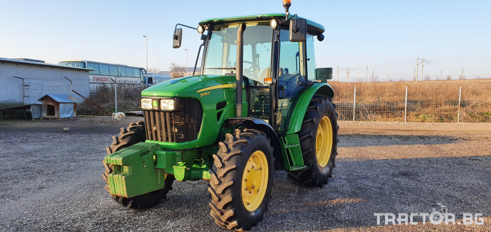 Трактори John-Deere 5093M 1 - Трактор БГ