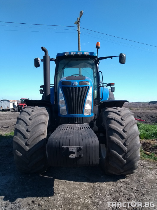 New-Holland T8050