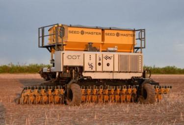 Този робот сее, тори и пръска