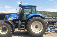 New-Holland T8030