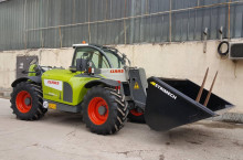 Claas Scorpion 7045 Plus - Трактор БГ